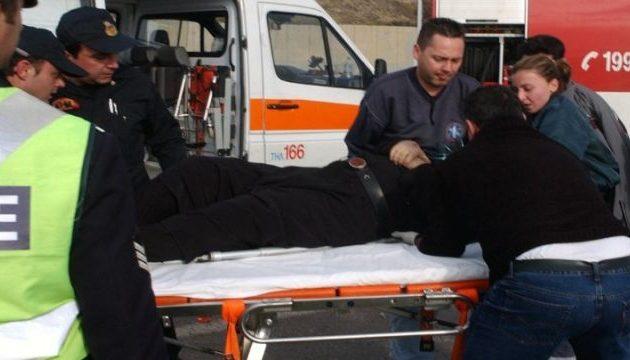 Θρίλερ στη Δράμα: Ανετράπη λεωφορείο του ΚΤΕΛ με 14 επιβαίνοντες