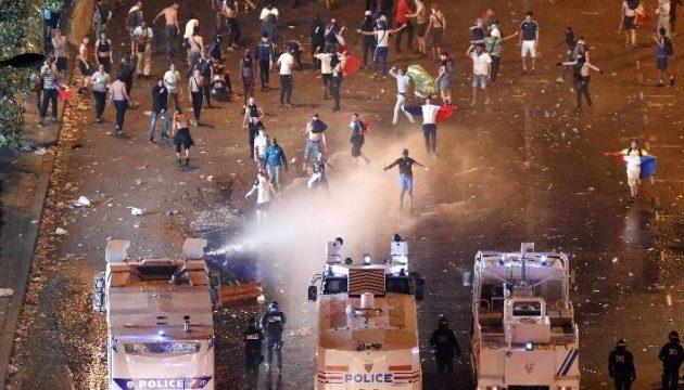Ταραχές στη Γαλλία: Πυρπόλησαν 850 αυτοκίνητα – 500 συλλήψεις για τα επεισόδια