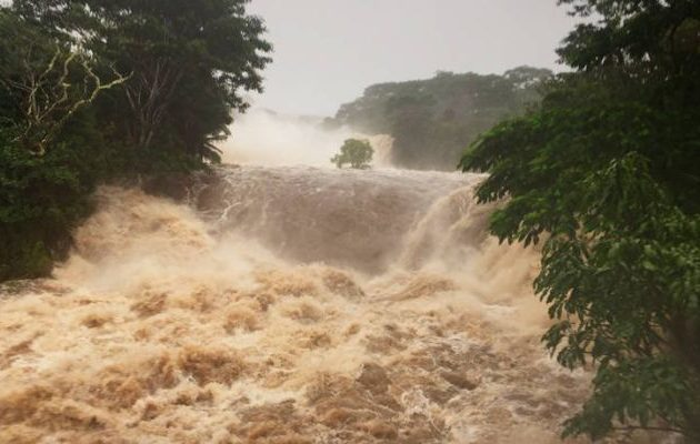 Συναγερμός στη Χαβάη για τον τυφώνα-τέρας που σαρώνει με ανέμους 200 χλμ.