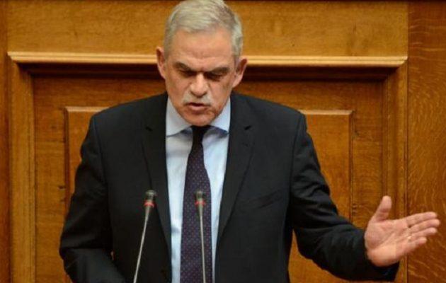 Γερμανικά ΜΜΕ: Παραίτηση Τόσκα και «μπαλάκι» ευθυνών μεταξύ κυβέρνησης και αντιπολίτευσης