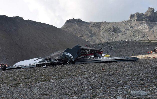 Τραγωδία στην Ινδονησία: 8 νεκροί από συντριβή αεροπλάνου – Επέζησε 12χρονος