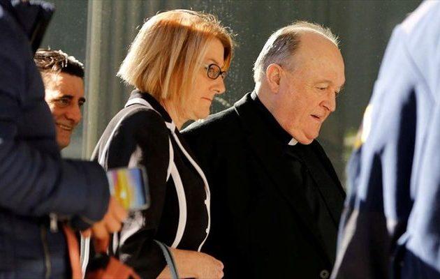 Σε κατ' οίκον περιορισμό με «βραχιολάκι» ο πρώην αρχιεπίσκοπος Αυστραλίας