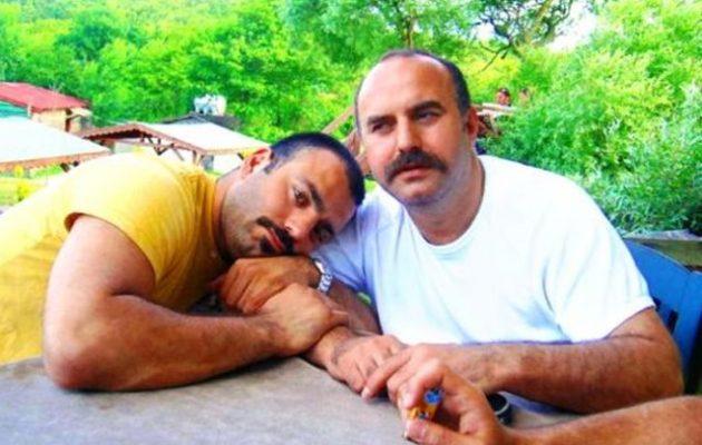 Οι Τούρκοι φοβούνται ότι οι Αμερικανοί θα τους ρίξουν βόμβες με «αέρια» που θα τους κάνουν ομοφυλόφιλους!