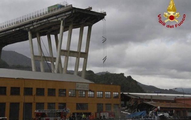 Πολλά τα θύματα από τη γέφυρα που κατέρρευσε στη Γένοβα – Εκτελούνταν έργα ενίσχυσης των θεμελίων της