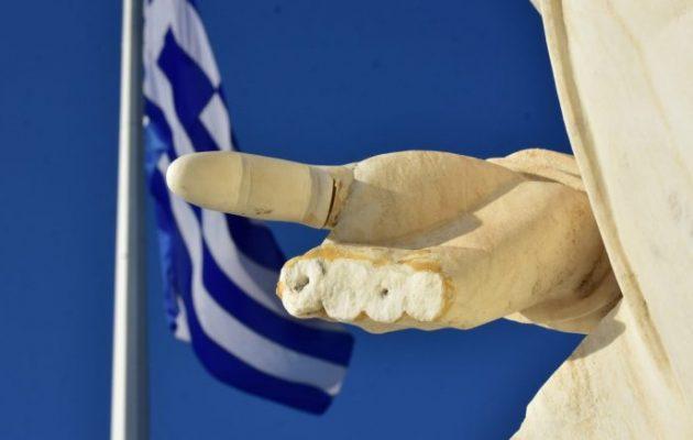Έσπασαν τα δάχτυλα του αγάλματος του Ιωάννη Καποδίστρια στο Ναύπλιο