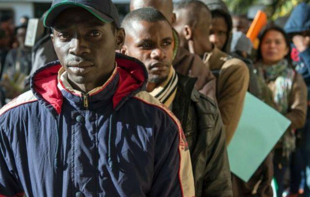Το Μαρόκο μεταφέρει μετανάστες στην ενδοχώρα του για να μην περάσουν στην Ευρώπη