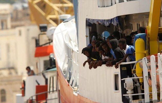 Πώς «σφάζονται» Ιταλία και Μάλτα για την τύχη 177 μεταναστών ανοιχτά της Λαμπεντούζα