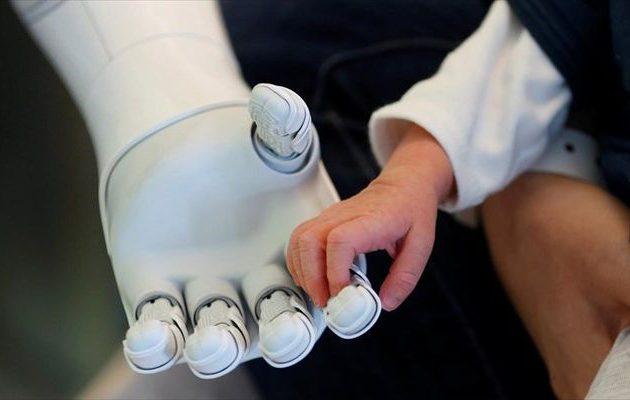Η εφιαλτική επιρροή των ρομπότ στα παιδιά – Τι έδειξε πείραμα-σοκ