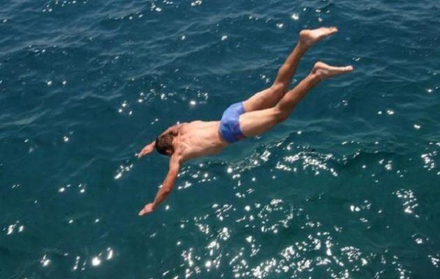 Αντίπαρος: 17χρονος έκανε βουτιά και χάθηκε στη θάλασσα