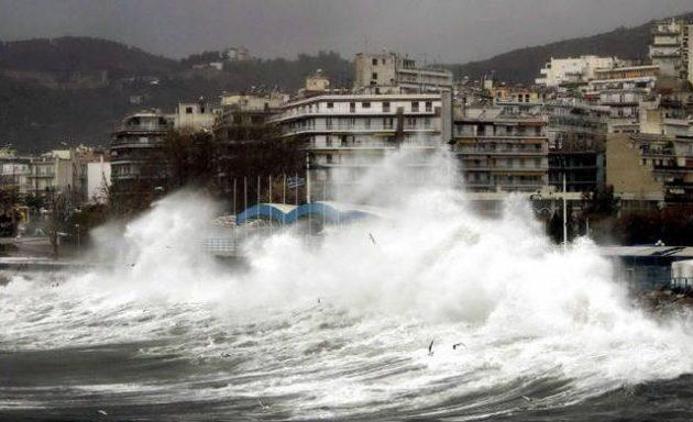 Τι λένε Κολυδάς και Αρναούτογλου για τον κυκλώνα «Ξενοφών» – Πού θέλει προσοχή
