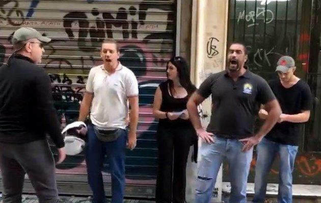 Ζακ Κωστόπουλος: Παραλήρημα μίσους στην Ομόνοια – «Πρεζάκια και γκέι δεν είσαστε αναγκαίοι» (βίντεο)