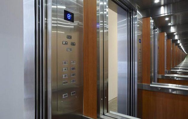 20χρονη έπαθε ανακοπή όταν σταμάτησε το ασανσέρ
