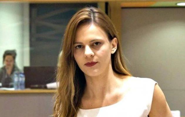 Έφη Αχτσιόγλου: Με ακροδεξιό πρόγραμμα η ΝΔ ετοιμάζει απολύσεις