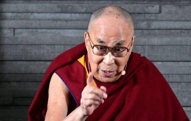 Δαλάι Λάμα: Η Ευρώπη θα γίνει μουσουλμανική ή αφρικανική αν δεν φύγουν οι μετανάστες