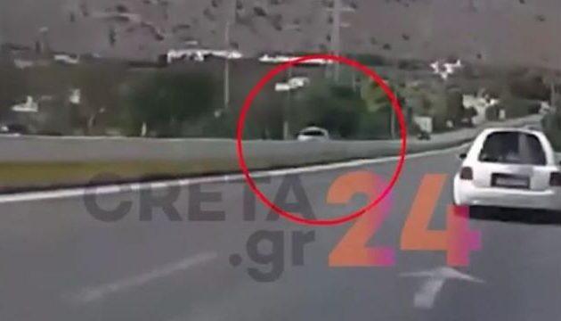 Τρόμος στην εθνική: Γκάζωσε στη λωρίδα ταχείας κυκλοφορίας αλλά… στο αντίθετο ρεύμα (βίντεο)