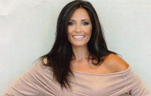 Ελληνίδα ηθοποιός ποζάρει με αποκαλυπτικό μαγιό και κολάζει τα πλήθη (φωτο)