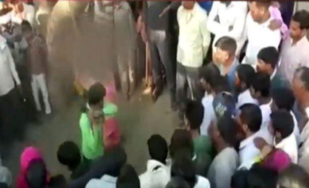 Ιστορική απόφαση στην Ινδία: Δικαστήριο αποποινικοποιεί τη μοιχεία
