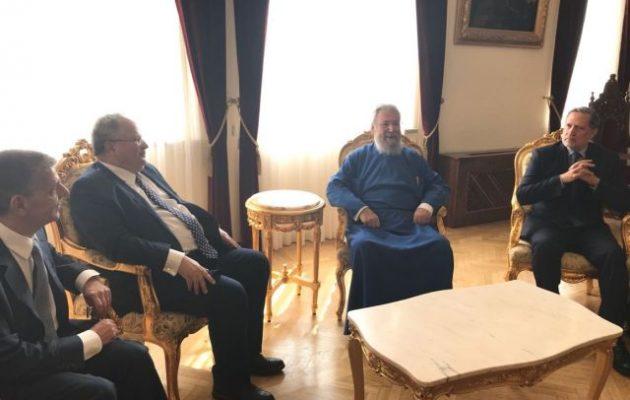 Θέματα της Εκκλησίας, της Χριστιανοσύνης και το Κυπριακό συζήτησαν Κοτζιάς και Χρυσόστομος