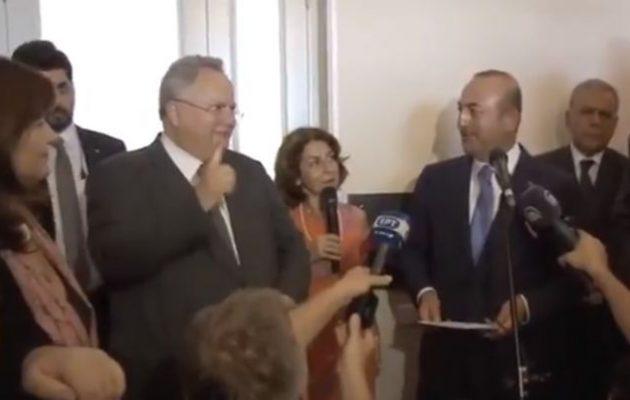 Δείτε τι απάντησε ο Κοτζιάς στο «αστειάκι» του Τσαβούσογλου με τα αεροπλάνα και «πάγωσε» ο Τούρκος (βίντεο)