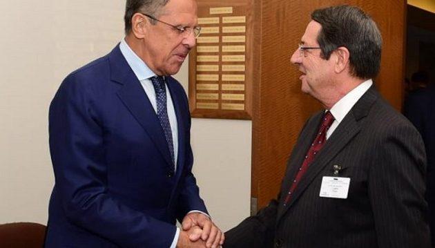 Ο Αναστασιάδης ζήτησε τη συμβολή της Ρωσίας για επαννεκίνηση Κυπριακού