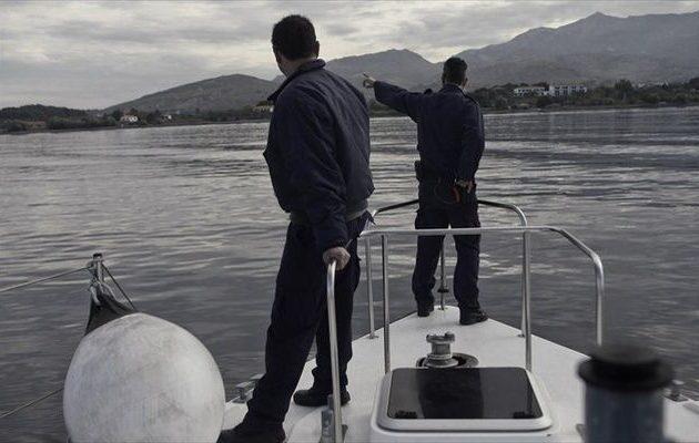 Η κυβέρνηση μετέφερε από τη Χίο 8 μετανάστες και ο Ερντογάν έστειλε 156