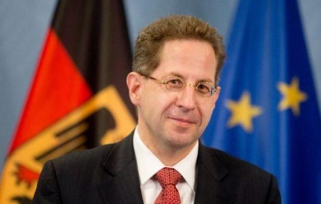 Τα «βρήκαν» στη Γερμανία για τον Μάασεν – Τον όρισαν «ειδικό σύμβουλο» στο υπουργείο Εσωτερικών