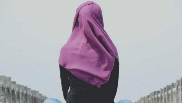 15χρονη παντρεύτηκε 44χρονο στη Μαλαισία – «Θέλω να κάνω τον άνδρα μου χαρούμενο»