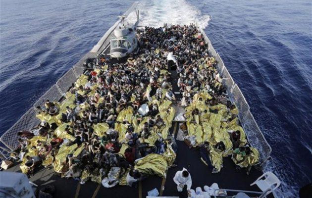 Οι μετανάστες να κρατούνται πάνω στα πλοία, προτείνουν Ιταλία και Αυστρία