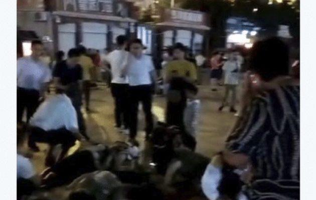Mακελειό στην Κίνα: Αυτοκίνητο έπεσε πάνω σε πεζούς – Εννέα νεκροί (βίντεο)