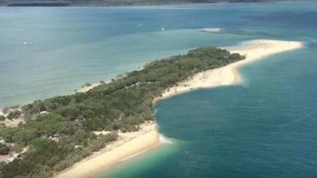 Τεράστια τρύπα κατάπιε παραλία στην Αυστραλία (βίντεο)