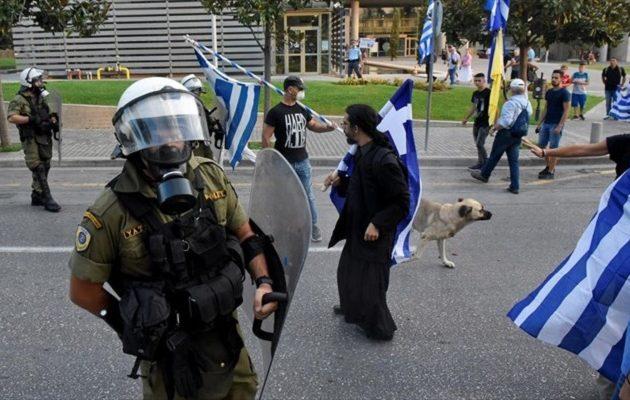 Θεσσαλονίκη: Σε εξέλιξη τα συλλαλητήρια, ισχυρά μέτρα της Αστυνομίας στο Βελλίδειο