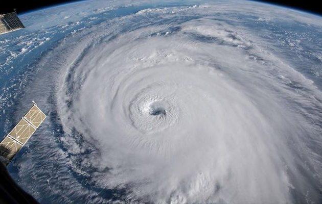 Υποβαθμίστηκε ο κυκλώνας Φλόρενς αλλά συνεχίζει να απειλεί με πλημμύρες