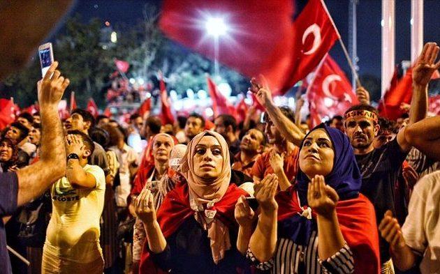 Αυτοί είναι οι Τούρκοι – Αποκαλυπτική έρευνα: Το 80% βλέπει πορνό και μόλις το 0,1% επισκέπτεται μουσεία