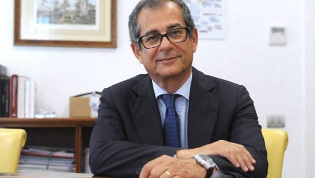 Ιταλός υπ. Οικονομικών: Πρέπει να μειωθούν οι φόροι για τη μεσαία τάξη