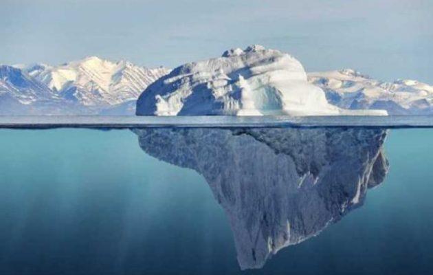Αυτό είναι το ορθογώνιο παγόβουνο σαν γιγάντιο «παγάκι» που τρέλανε το Διαδίκτυο (φωτο)