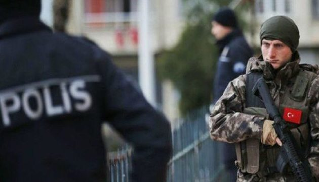 Διατάχθηκαν συλλήψεις ακόμα 210 στρατιωτικών στην Τουρκία