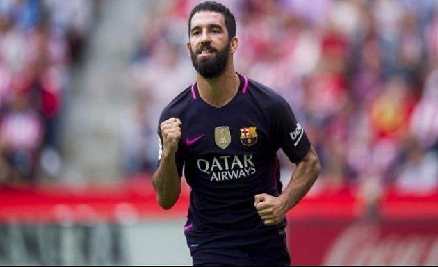 Τούρκος ποδοσφαιριστής κινδυνεύει με φυλάκιση 12,5 ετών για ξυλοδαρμό και παρενόχληση