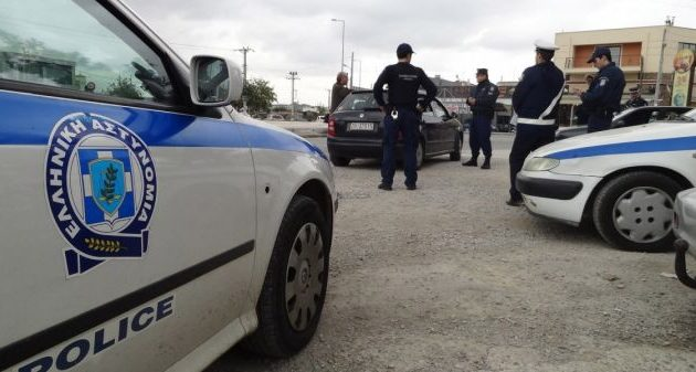 Ανήλικοι σταματούσαν οδηγούς στην Αττική και τους έκλεβαν μέχρι και τα… αυτοκίνητά τους