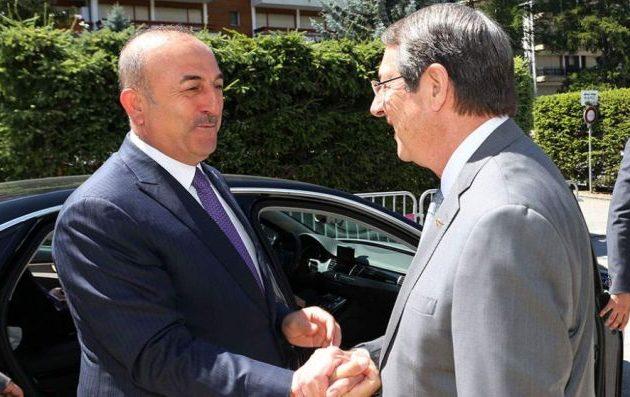 Η Τουρκία δεν πρόκειται να φύγει ποτέ από την Κύπρο είπε ο Τσαβούσογλου στον Αναστασιάδη