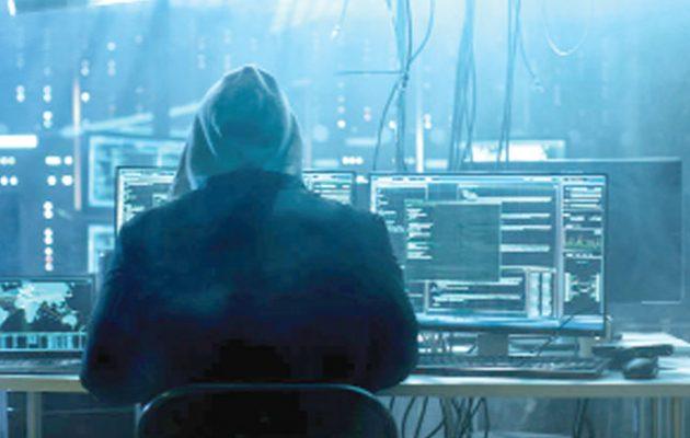 Το ποντίκι και το πληκτρολόγιο «όπλα» στα χέρια μυστικών υπηρεσιών και εγκληματικών οργανώσεων