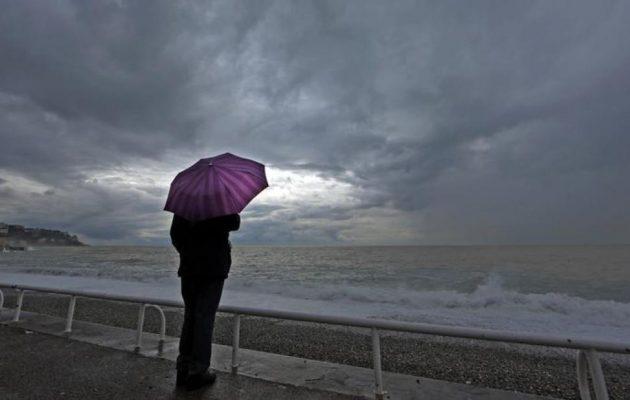 Καιρός: Βροχές και σκόνη την Τετάρτη