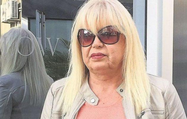 «Βουλευτής της ΝΔ πάει με τρανς και τις θέλει αντρουά» έγραψε η Πάολα Ρεβενιώτη – Απειλή έξω από το σπίτι της