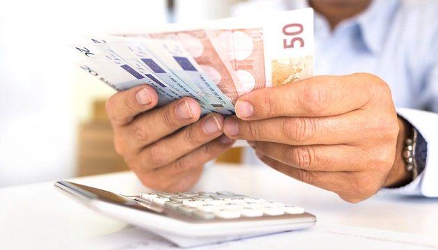 Για ποιους έρχεται ρύθμιση οφειλών σε ασφαλιστικά ταμεία και εφορία