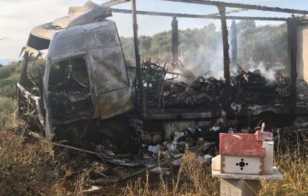 Φρίκη! 11 μετανάστες κάηκαν ζωντανοί σε τροχαίο στην Καβάλα (φωτο)