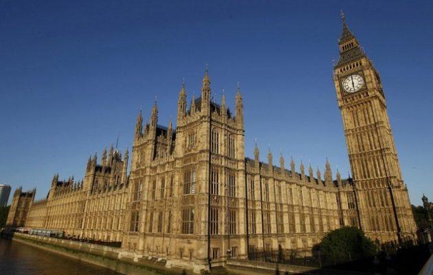 Ιστορικό ρεκόρ στις βρετανικές εκλογές – 220 γυναίκες εισέρχονται στη νέα Βουλή