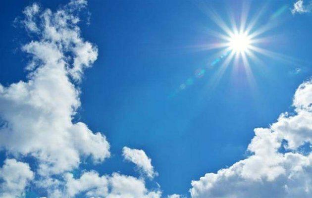 Καιρός: Ηλιοφάνεια και λίγες νεφώσεις την Τρίτη – Που θα βρέξει