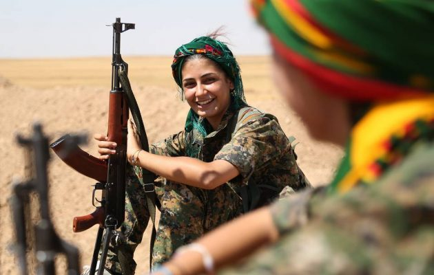 Οι Κούρδισσες μαχήτριες κατά του ISIS στο Ευρωκοινοβούλιο – «Σταματήστε την Τουρκία»