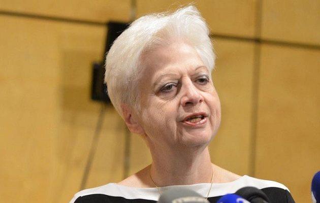 Η Κύπρια ευρωβουλευτής Ελένη Θεοχάρους ζητά προστασία για να μην συλληφθεί στην Τουρκία