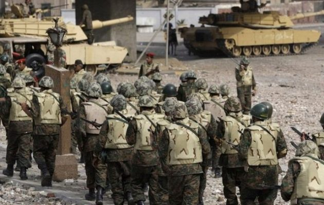 Ολοκληρώθηκε η άσκηση «Αραβική Ασπίδα» με τη συμμετοχή έξι στρατών στην αιγυπτιακή έρημο