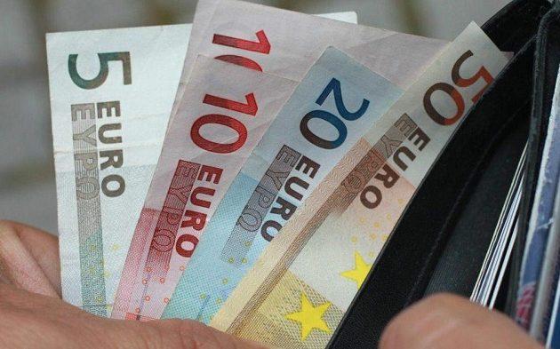 620 ευρώ αναδρομικά σε συνταξιούχους – Ποιους αφορά